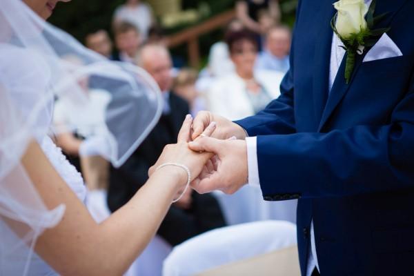 Milyen is a házasság? Őszinte írás Dragomán Györgytől