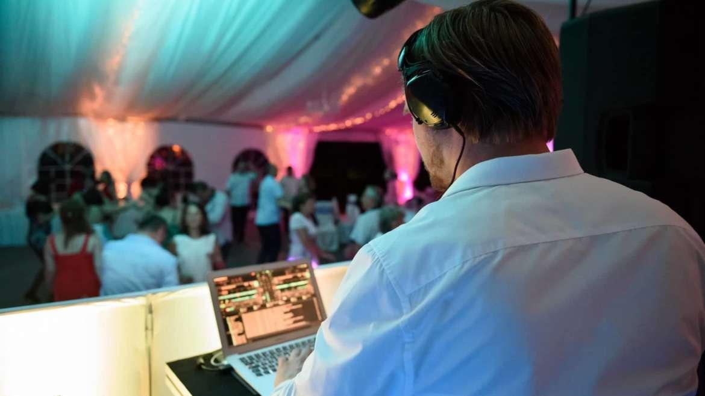 Milyen zenék kellenek az esküvőre?