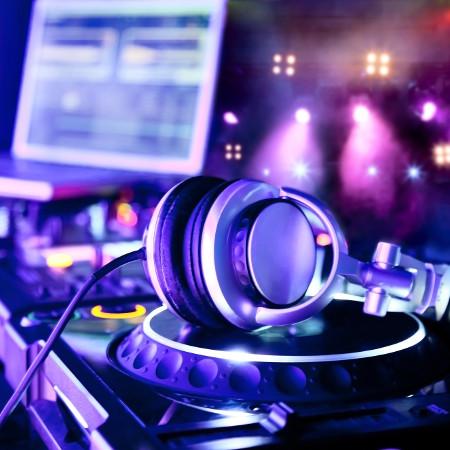 Tudástár – Mitől legális egy DJ?