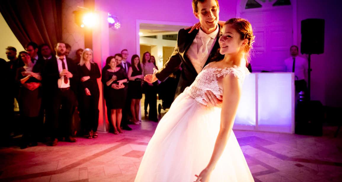Luna és Csabi esküvője – Tata, Pálmaház