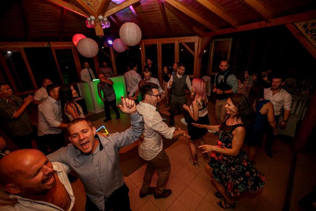 kiss attila esküvő dj buli lakodalom zene várpalota tés